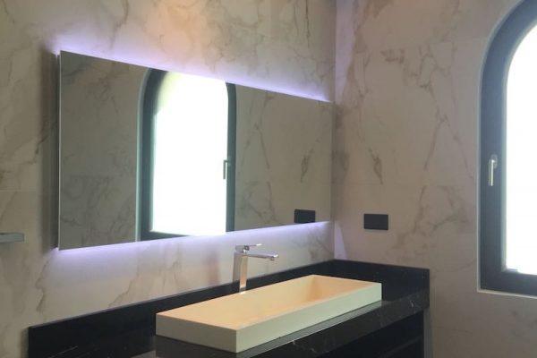 palm-bathroom-img2-min